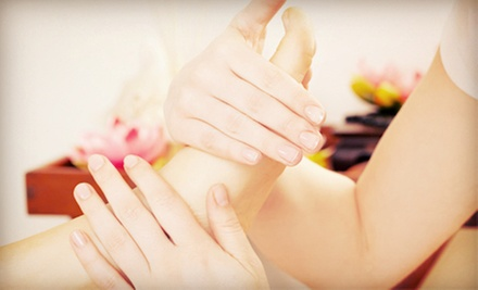 30-Minute Reflexology Session with Optional 30-Minute Reiki Session at Parapsychology & Wellness Center (Up to 56% Off)