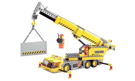 Dream Builders 300-Piece Crane-Lift Set