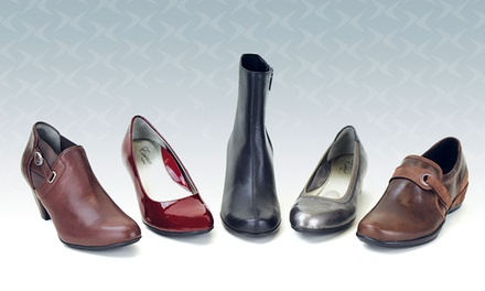 Womens' and Men's Footwear at Aetrex (Up to 53% Off)
