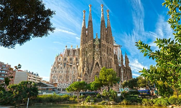 Hotel Tres Torres — Barcelona: 1-7 noites para dois com pequeno-almoço e welcome gift desde 59€