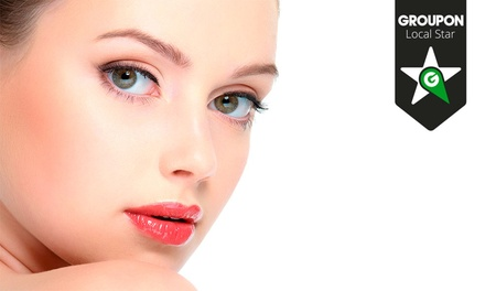 Pharmaestetic — Matosinhos: 1 ou 2 limpezas de pele com tratamento de peeling e aplicação de moléculas desde 9,90€