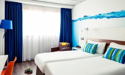 Hotel Ibis Styles — Corunha: 1 ou 2 noites para dois em quarto com varanda, pequeno-almoço e late check-out desde 45€