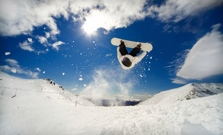 $7 for a Snowboard or Ski Wax at Lake Country Cycle Ltd. ($15 Value)