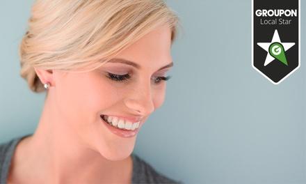 Dentalis — Paço de Arcos: 1 ou 2 sessões de branqueamento LED com limpeza oral desde 54€