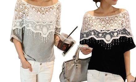 Blusa com gola de renda e mangas de morcego disponível em duas cores por 16,99€ ou duas por 29,99€