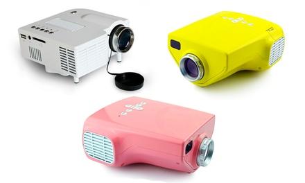 Mini projetor com projeção de imagem até 120' ou mini projetor modelo KIDs com projeção de imagem até 80' por 79,90€