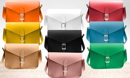 Mala satchel disponível em oito cores por 14,99€