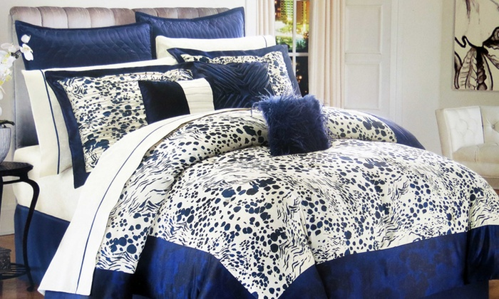 Kardashian bedding 28 images kardashian kollection for Should i buy a house with polybutylene pipe