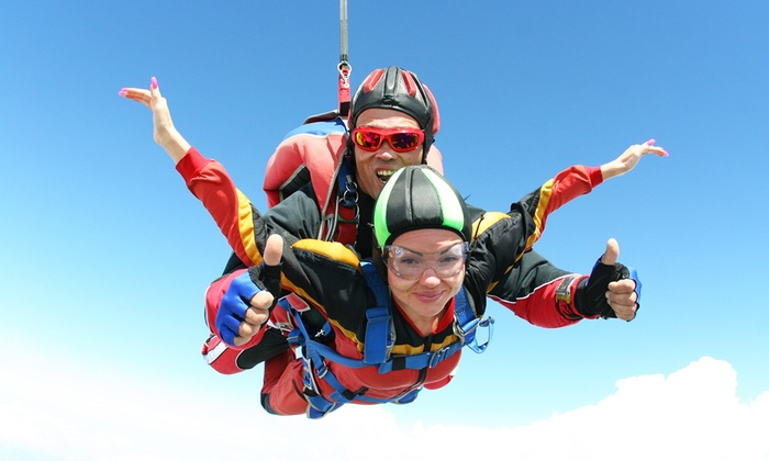 Fly Zone - FLY ZONE: Lancio in tandem con paracadute da 99 €
