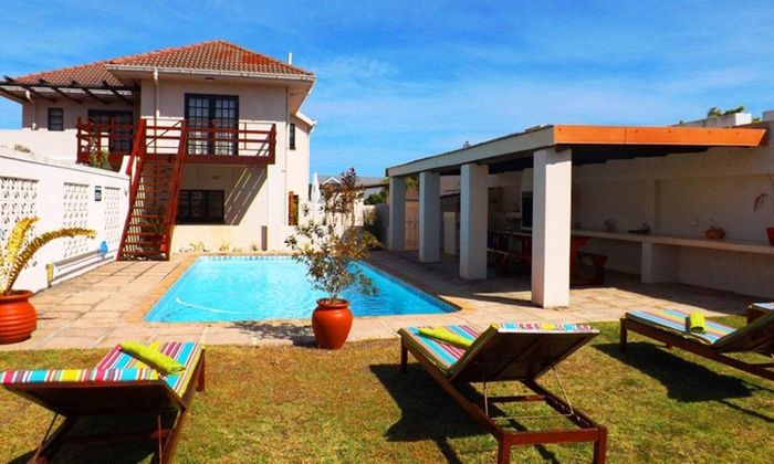 Rochester Manor - Hermanus: Hermanus: B&B Stay for Two at Rochester Manor
