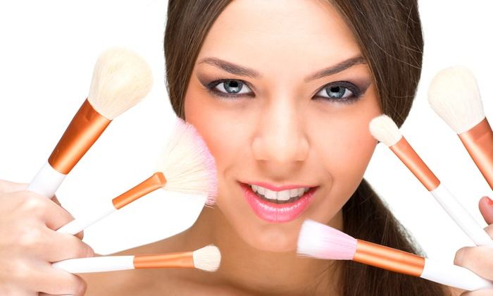 K S Nail Center - Via canazei 20 A: Corso di self make up, laboratorio di cosmesi naturale oppure entrambi da 19,99 €