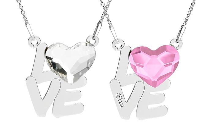Um colar Love com coração e gravação personalizada por 19,99€ ou dois por 29,99€