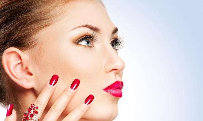 Toning Fitness - Modena: 3 manicure con smalto semipermanente o in più trattamenti viso e corpo da 29,90 €
