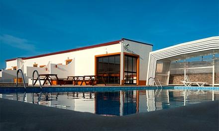 Peniche Praia Camping & Bungalows — Peniche: 1 noite para dois ou quatro com acesso ao spa e welcome drink desde 34€