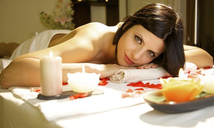 Sun Club - SUN CLUB: 3 o 5 trattamenti a scelta tra massaggi, pulizia viso, ceretta, manicure, pedicure e peeling (sconto fino a 89%)