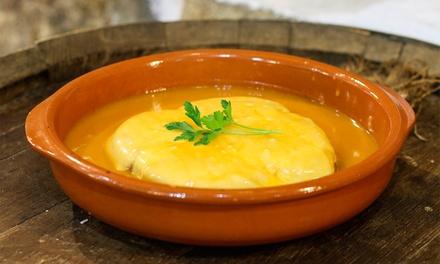 Adega Campos — Matosinhos: menu de Francesinha com batatas e bebidas para dois por 9,90€ ou para quatro por 18,90€