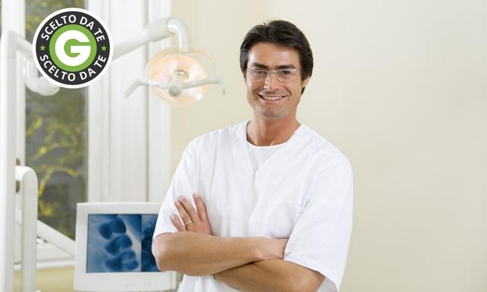 Studio Dentistico Fulgenzi - STUDIO DENTISTICO FULGENZI: Fino a 4 impianti dentali in titanio da 449 € invece di 1800 allo Studio Fulgenzi