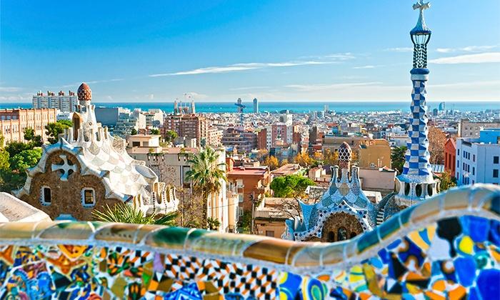 Hotel Husa Via 4* — Barcelona: 1-5 noites para duas pessoas em quarto duplo com pequeno-almoço desde 59€