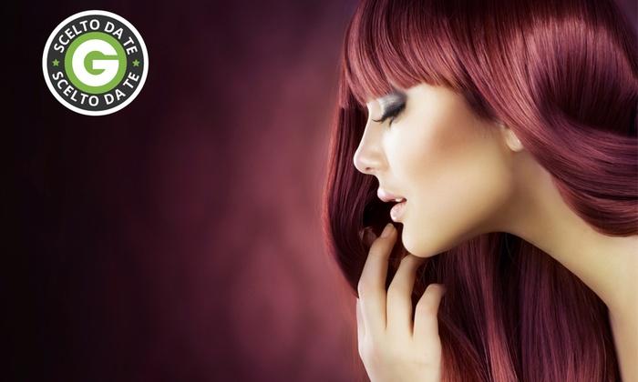 Lux Parrucchieri - Monza: Bellezza capelli con taglio e trattamenti a scelta da 19,90 €