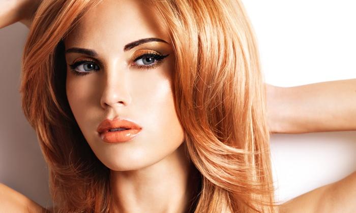 Trattamento una ricostruzione di capelli in salone