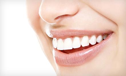 Clinicaldent Institute — Entrecampos: limpeza dentária com destartarização e opção de branqueamento LED desde 14€