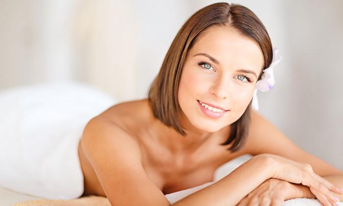 Centro benessere estetica Elite Mony - CENTRO BENESSERE ESTETICA ELITE MONY: Seduta di bellezza e benessere per viso, mani e corpo da 29,90 €
