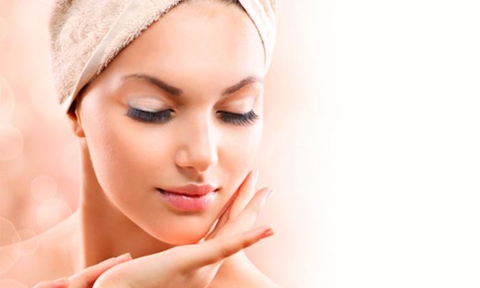 L'estetica - L ESTETICA: 3 trattamenti viso con pulizia, maschera e massaggio o con 3 elettroporazioni da 19 € invece di 150