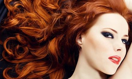 Carla Frade Cabeleireiro — Mem Martins: sessão de cabeleireiro com corte e opção de coloração ou madeixas desde 9,90€