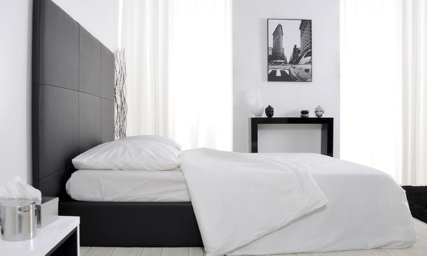 lit fixe ou lit coffre groupon shopping. Black Bedroom Furniture Sets. Home Design Ideas