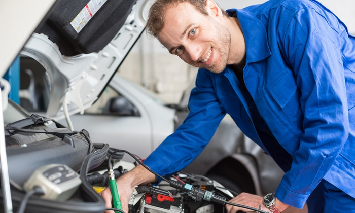 Officina Volpiano - OFFICINA VOLPIANO: Tagliando auto con controlli approfonditi da 49,90 €