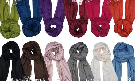 Echarpe de pashminadisponível em 12 cores por 9,99€, duas por 17,99€ ou quatro por 29,99€
