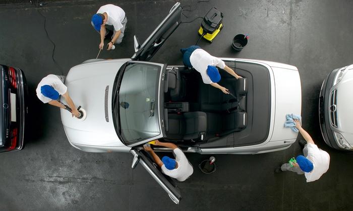 Auto e Moto Service - AUTO E MOTO SERVICE: Lavaggio e check up per una o 2 auto da 29,90 €