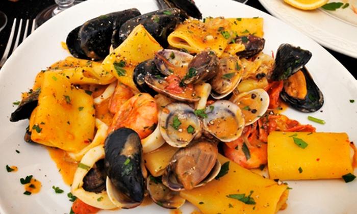 Borgo Antico - Castellonorato di Formia (LT): Borgo Antico - Menu di pesce di 4 portate e vino con vista sul golfo di Gaeta da 39 € invece di 119