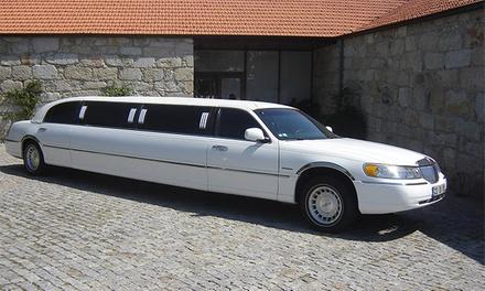 Porto Limousines — várias localizações: passeio de limusine para até 8 pessoas por 79,90€