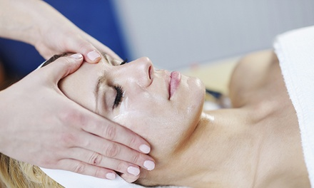 One or Three Light Lactic Facial Peels at Esthetic Laser Clinic (Up to 66% Off)