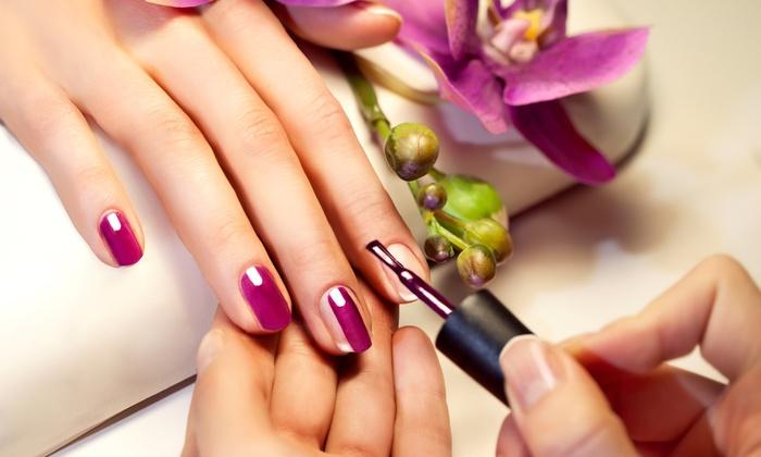 I-Beauty - I BEAUTY: 3 manicure con smalto OPI da 29,90 € in centro