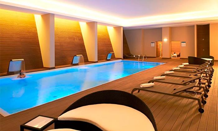 Vidamar Resorts Algarve 5* — Albufeira: 1-2 noites para 2 em quarto com vista de natureza, meia pensão e spa desde 99€