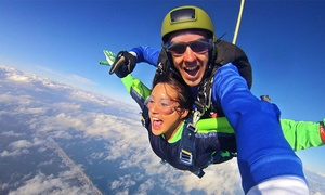 $169 For A Tandem Skydiving Beachfront Experience With $30 Photo Credit At Skydive Oc ($339 Value)
