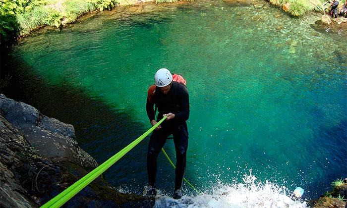 Latitude 41 — Serra da Freita: atividade canyoning para duas ou quatro pessoas desde 39€