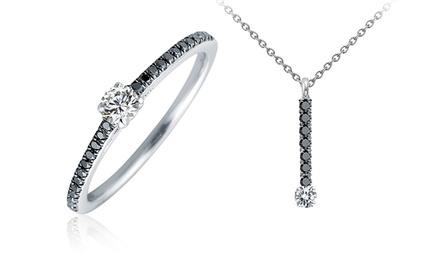 Pendente para colar, anel solitário ou conjunto Black and White desde 94,99€