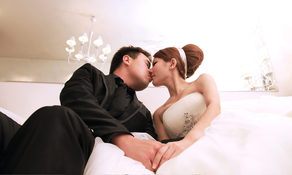 77% Off] Pre-Wedding Indoor OR Outdoor Photoshoot for RM488