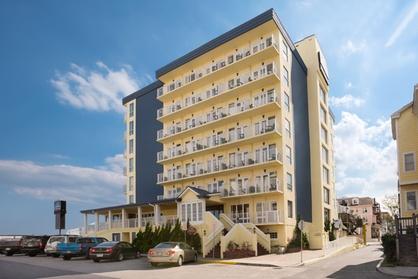 Howard Johnson Plaza Hotel by Wyndham Ocean City Oceanfront (Getaways Hotels) photo