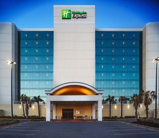 Holiday Inn Express Hotel & Suites Va Beach Oceanfront, an IHG Hotel (Getaways Hotels) photo