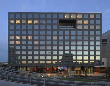Radisson Blu Hotel Zurich Airport d4296a8a-c0ec-4ef5-b0ab-c7bc9772f522