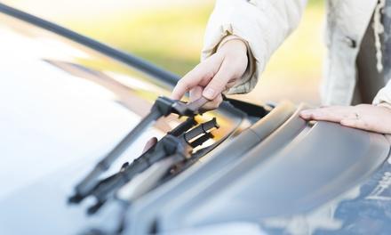 Master Car — Canelas: mudança de escovas de limpa-para-brisas com opção de lavagem e polimento de faróis desde 14,90€