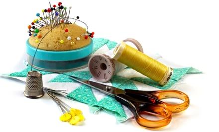 Agulha e Dedal — Lumiar: workshop de costura com moldes de revistas de modas para uma ou duas pessoas desde 12€