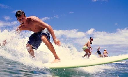 Sal Surfing School — Carcavelos: 3h de aulas de surf para uma, duas ou quatro pessoas desde 16€