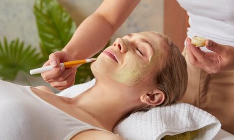 Bis zu 70 Min. Gesichts- und Dekolleté-Behandlung, opt. mit Hyaluron-Serum bei Kult Face