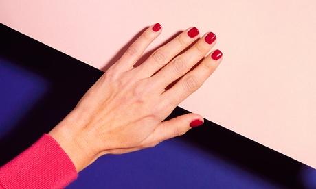 2 sesiones de manicura y/o pedicura normal o semipermanente en Peluquerías Goyeneches (hasta 72% de descuento)