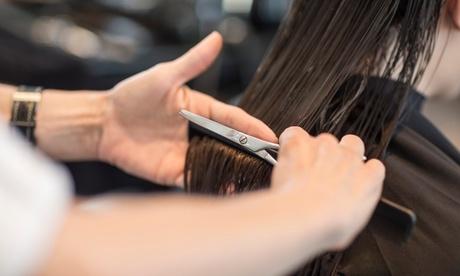 Sesión de peluquería con lavado spa, masaje, peinado y opción a corte, tinte y mechas desde 5,95 € en Hairstaff